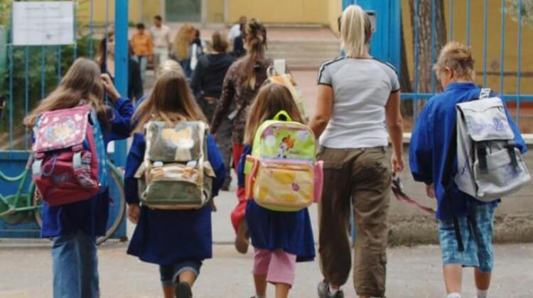 Zaia vuole la Dad, scuola non è fonte di contagio, ma i mezzi pubblici sì