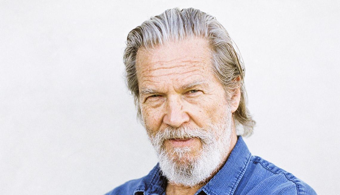 Jeff Bridges ha un linfoma, l'attore lo annuncia sui social con una battuta delle sue