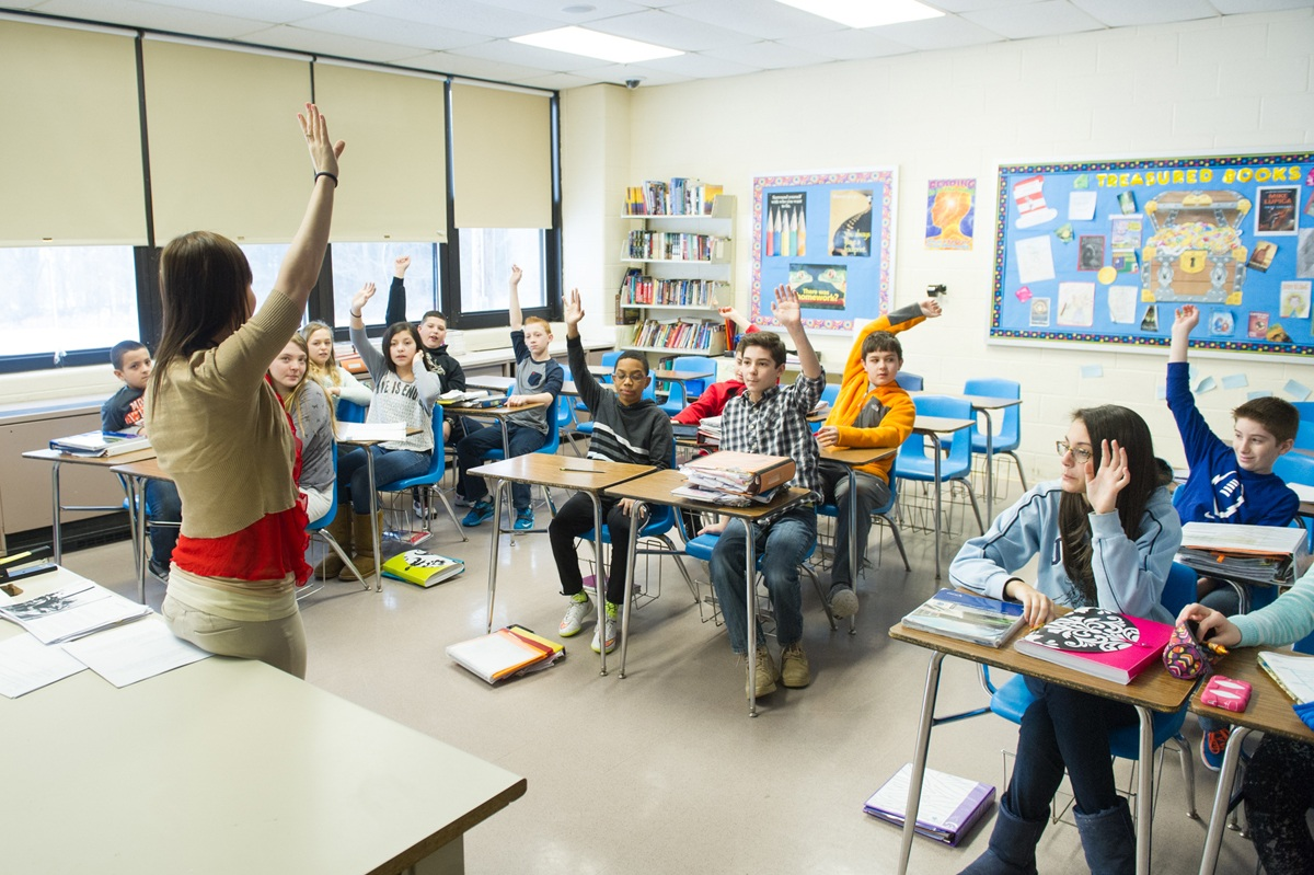 Rientro a scuola 2021: la soluzione del Miur? Finestre aperte anche se fuori si gela