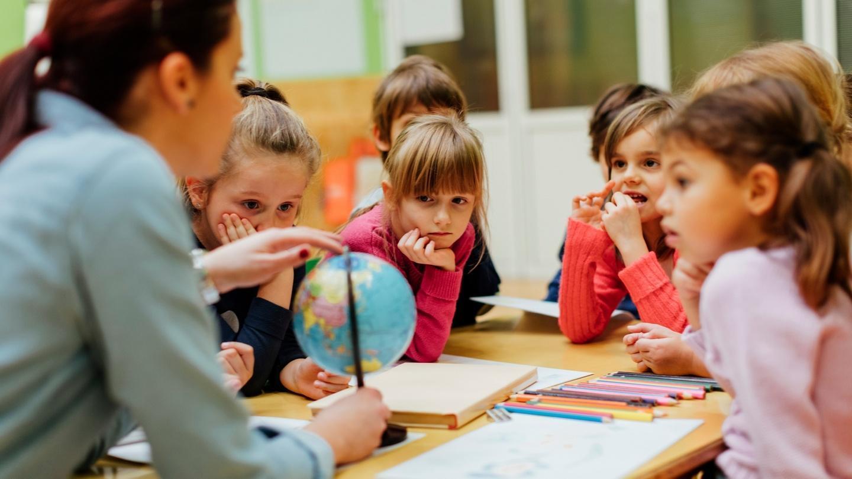 Obbligo vaccinale docenti: da settembre tamponi salivari nelle scuole
