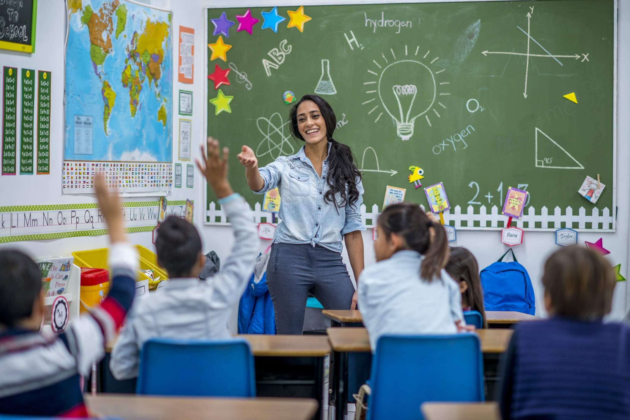 Carta del docente in scadenza: sospensione dell'applicazione a settembre