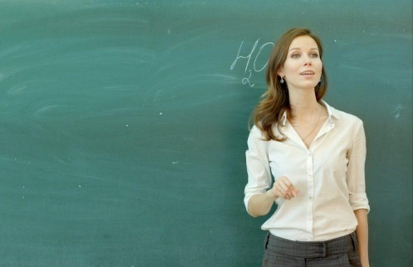 Diplomati magistrale assunti con riserva: stop licenziamenti e riassegnazione vecchia scuola
