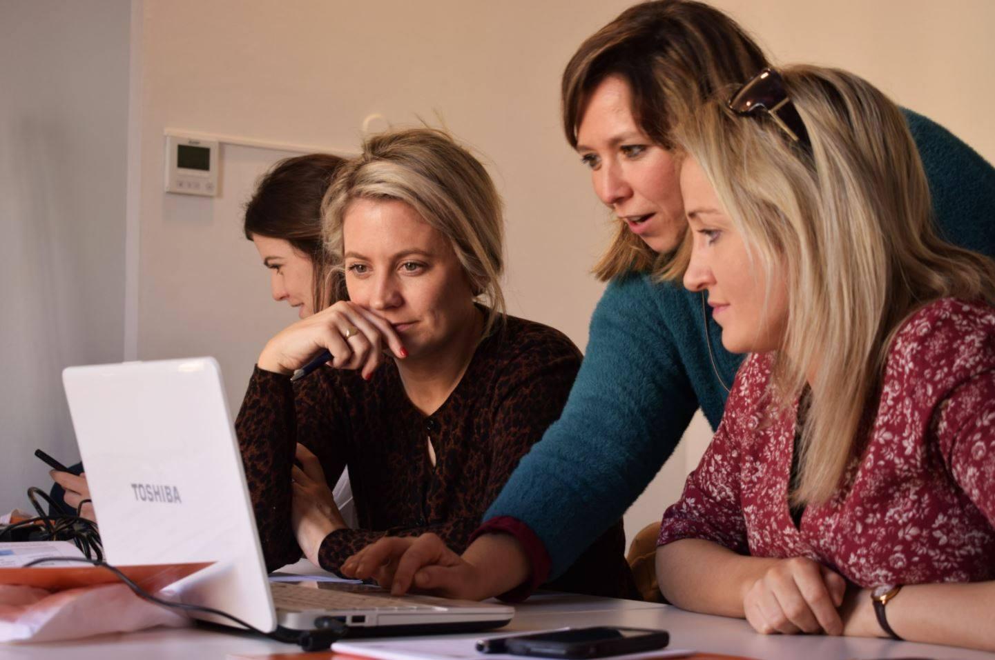 """Giornata mondiale degli insegnanti 2021: martedì 5 ottobre, in Italia un lavoro """"da donne"""""""