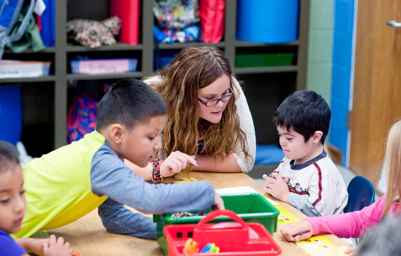 Supplenze scuola: i criteri di precedenza per posti di sostegno