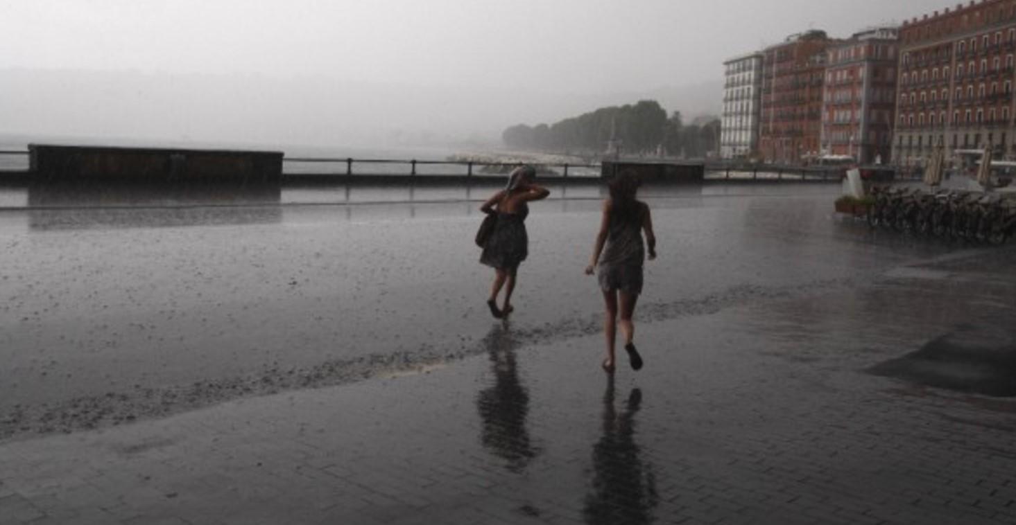 Allerta meteo Napoli scuole chiuse: proroga emergenza fino a venerdì 8 ottobre