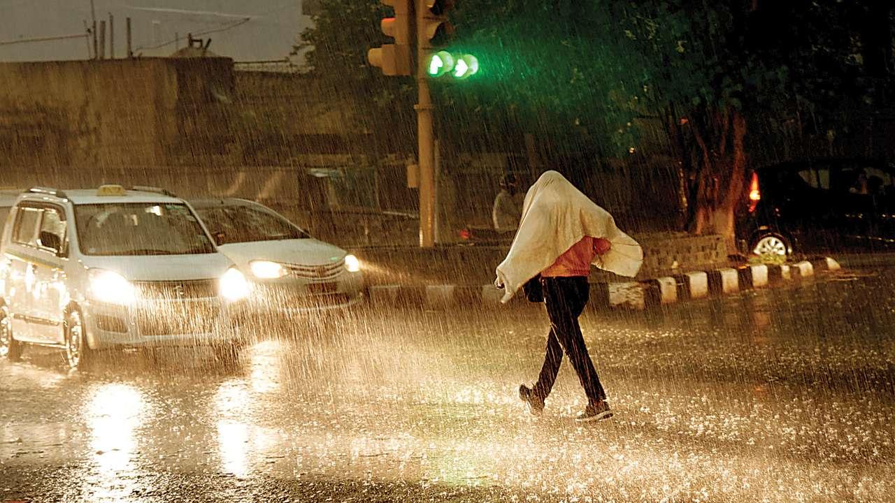 Allerta meteo Bari domani scuole chiuse: aggiornamento per il 6 ottobre